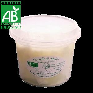faisselle de brebis bio produite en Auvergne - Cantal